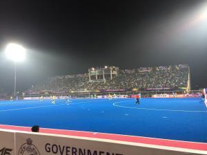 Stadion mit 7000 Zuschauern - Finale