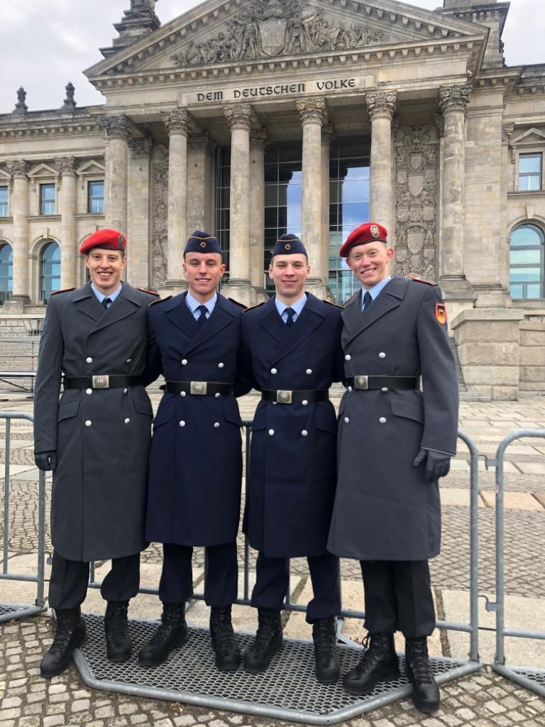Bundeswehr typen kennenlernen